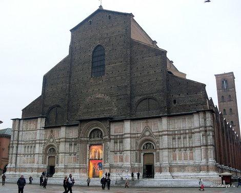 Болонья. Базилика Сан-Петронио