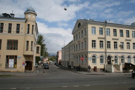 Дворцовый проспект 56,57.