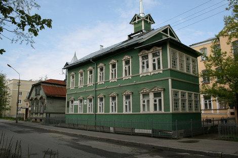 Еленинская улица, дома 14 и 16 (XIX в.).