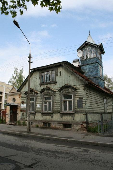 Дом Мельникова, построен в середине 19 в.