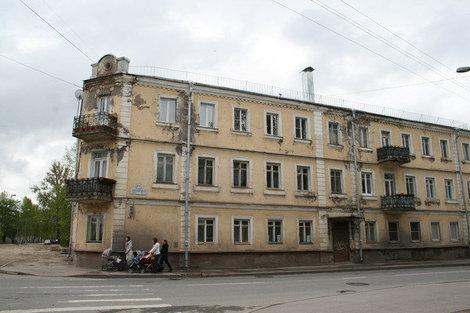 Жилой дом в конце Михайловской улицы.