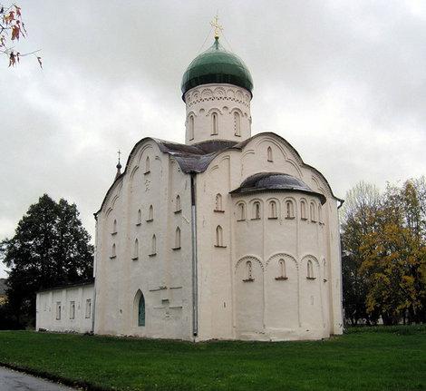 Церковь Федора Стратилата на ручью.