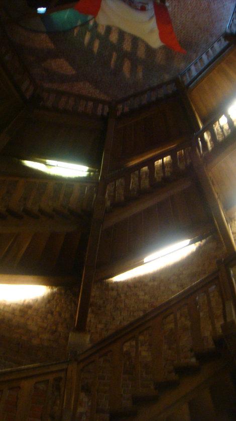 Лестница внутри башни