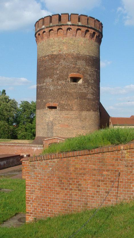 Башня Юлиуса — старинней не бывает