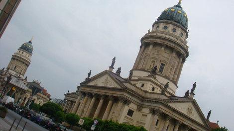 Французский и Немецкий соборы. Немножко выглядывает Концертный зал