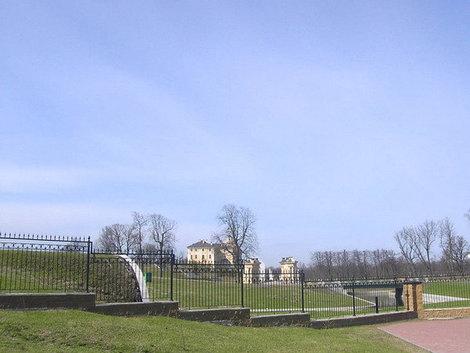 Вид на дворцовый погреб.
