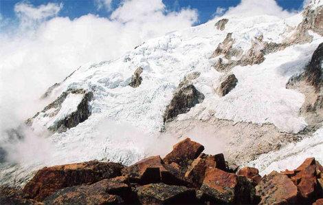 Красные камни перевала Рохо
