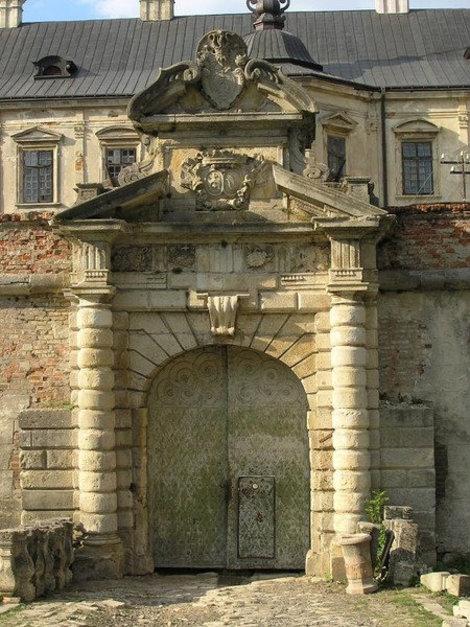 Ворота Подгорецкого замка