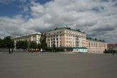 Здания на Советской площади.