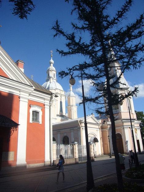 Два собора рядом.