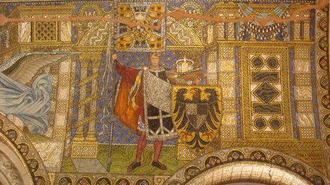 Мозаика внутри церкви