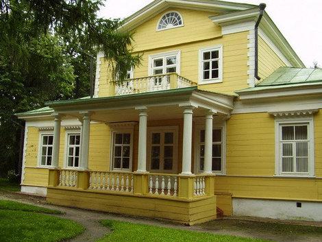 Барский дом — единственный в России дом Пушкина, который сохранился в первоначальном виде.