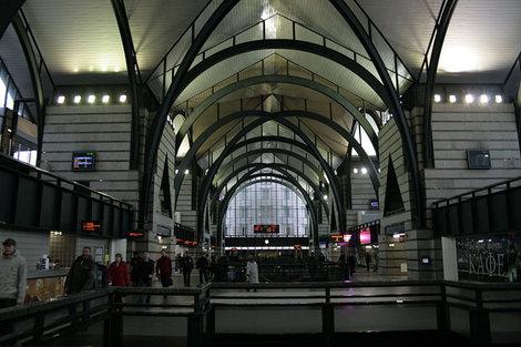 Световой зал Ладожского вокзала.