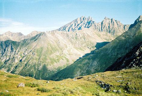 Фото 31. Вид на пик с пер. Чело-Монго