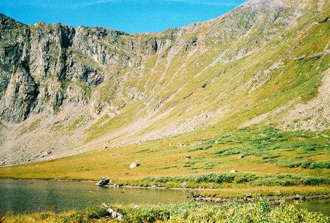 Фото 37. Спуск с перевала виден на фото