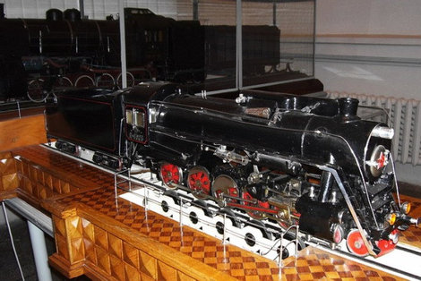Модель паровоза.