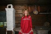 Любимый цвет мордвы — красный. Я в повседневном мокшанском платье.