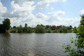 Макаровский пруд рядом с монастырем. Сейчас рядом с прудом благоустраивается мощеная набережная. Думаю, через год монастырь совсем будет не узнать.