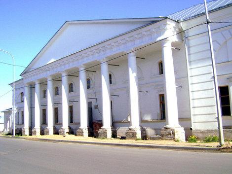 Рыбинск. Здание Старой хлебной биржи. Построено в 1811 году, архитектор Г.В. Петров