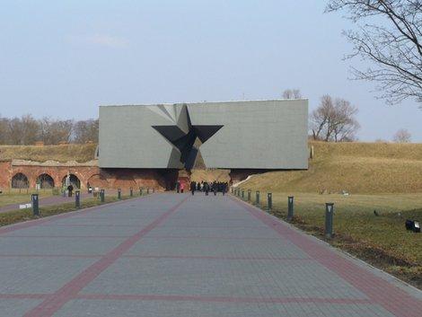 02. Главные ворота Брестской крепости