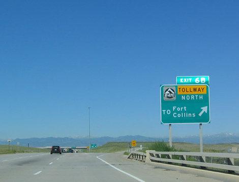 Дорога от аэропорта Денвера в город.