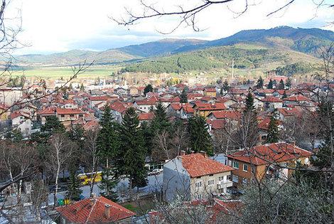 Велинград — один из многих очаровательных и интересных бальнеологических курортов Болгарии