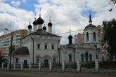 Самая старая церковь центра Саранска Иоанно-Богословская (1693г.) Единственный храм города, который не пострадал в советские годы. В доме за храмом жила вся мордовская элита, правительство. Об этом доме говорили: