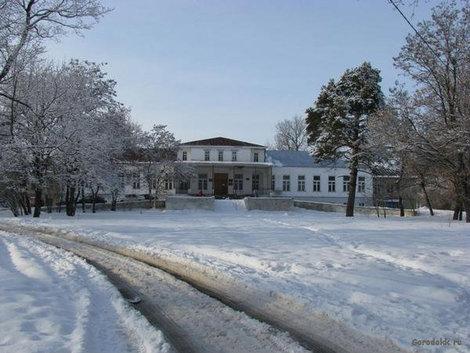 Дом Строгановых. Фотография с сайта www.gorodokk.ru. Так как давно не была в Знаменке у меня только сохранились фото с