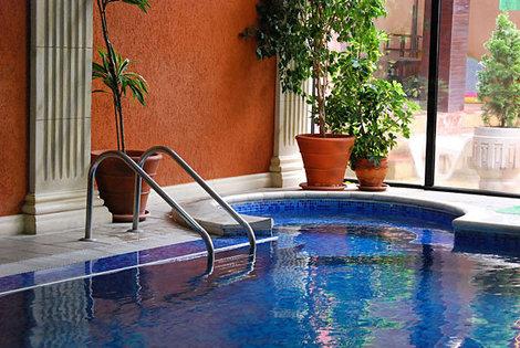 Бассейн с минеральной водой в Spa Hotel Sveti Nikola 3*, Сандански