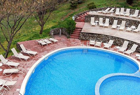 Все spa-отели имеют по несколько бассейнов c термальной водой