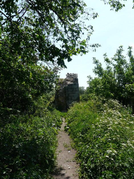 И это тоже крепостные сооружения Серпухова...