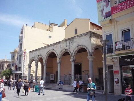 Одно из зданий в венецианском стиле в Ираклионе