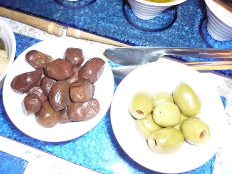 Настоящие греческие оливки — величиной со сливу!