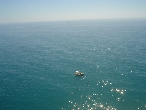 Корабли по морю все же ходят