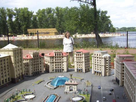 Майдан в миниатюре в Гидропарке