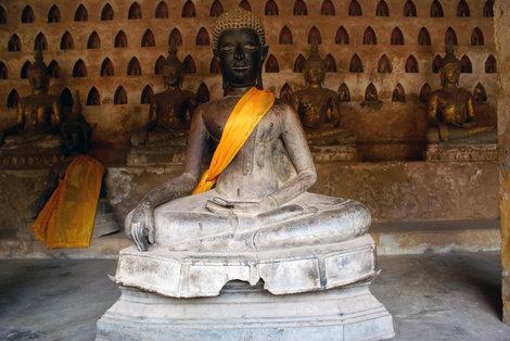 Будда в храме Ват Сисакет