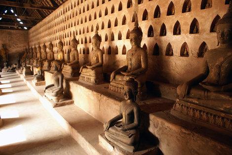 Будды у стены, Ват Сисакет