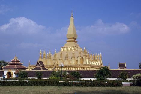 Золотая ступа, Ват Тхатлуанг