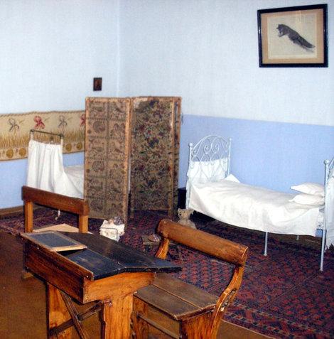 Детская комната, совмещенная с учебным классом.