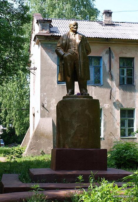 Котельнич. Памятник Ленину