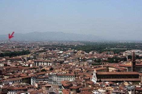 расположение отеля по отношению к центру Флоренции (вид с кампанилы Дуомо)