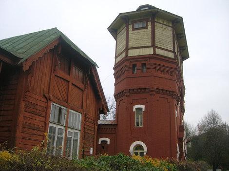 Исторические постройки в депо