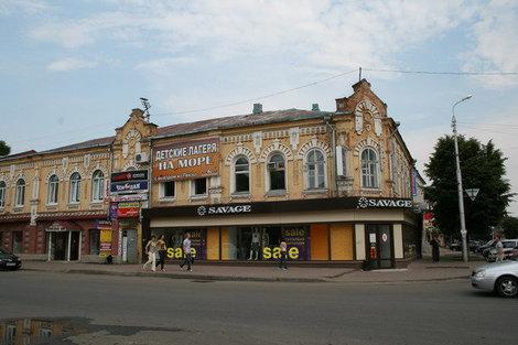 Купеческий особняк на пересечении Московской и Кирова.