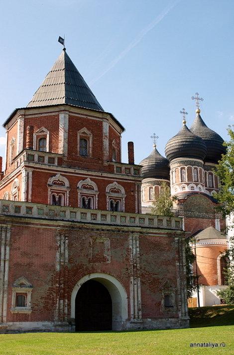 Мостовая башня и Покровский собор