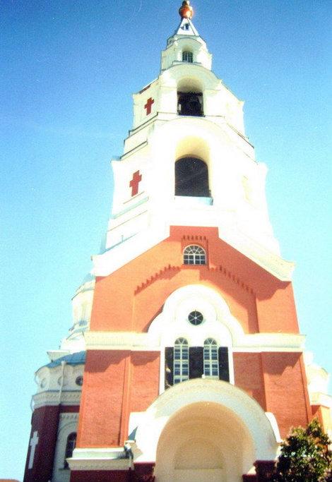 Колокольня Спасо-Преображенского собора взметнулась над землей на 72 метра