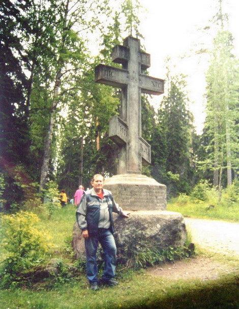 Поклонный крест на пути к скиту Всех Святых. Всего на Валааме воздвигнуты шесть Поклонных крестов