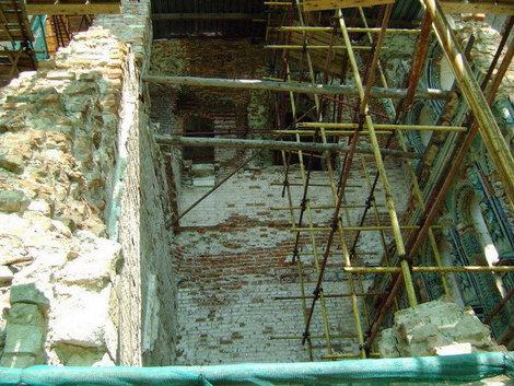 Новый Иерусалим. Фрагмент Воскресенского собора, который дает наглядное представление о разрушении святыни гитлеровскими захватчиками в годы войны