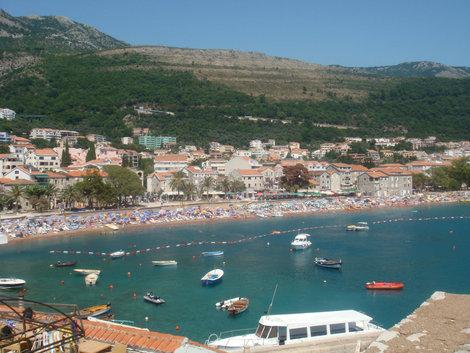 Вид на пляж Петроваца
