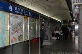 Сеульское метро.  Станция и плакат с ее схемой.