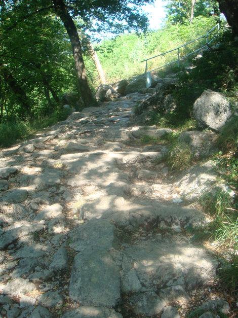 Непростая паломническая дорожка